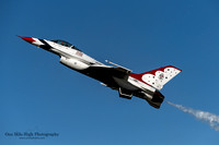 "Lockheed F-16C (T-Bird #5) - USAF Thunderbirds (Maj Michelle ""Mace"" Curran)"